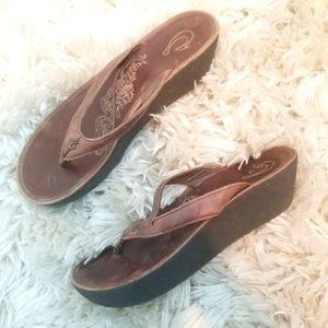 Womens OluKai Leather Platform Sandals Size 9